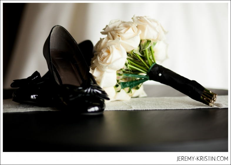 Black and White Wedding Bouquet Photo
